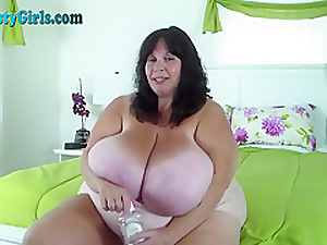 Oiled Up BBW With Massive Tits On Webcam