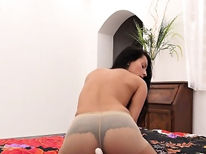 Lovable czech sexual intercourse kitten lexi dona rubs together with orgasms