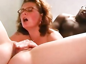 Insatiable fucksluts getting their clean-shaven snatch crevices eaten out invitingly
